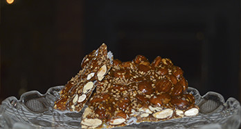 Turrón with sesame 300g